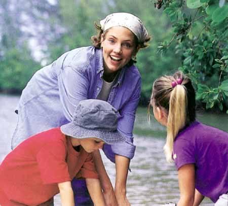 Można zdobyć nowych przyjaciół i podszlifować angielski. Trzeba jednak lubić dzieci.