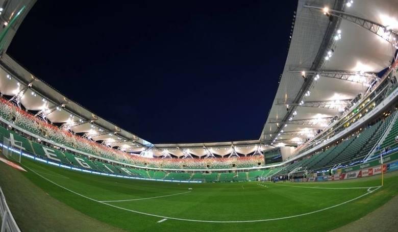 Stadion powstał w latach 30-tych XX wieku. Gruntowna przebudowa tego niezwykle wysłużonego obiektu miała rozpocząć się w latach 90-tych, ale ostatecznie