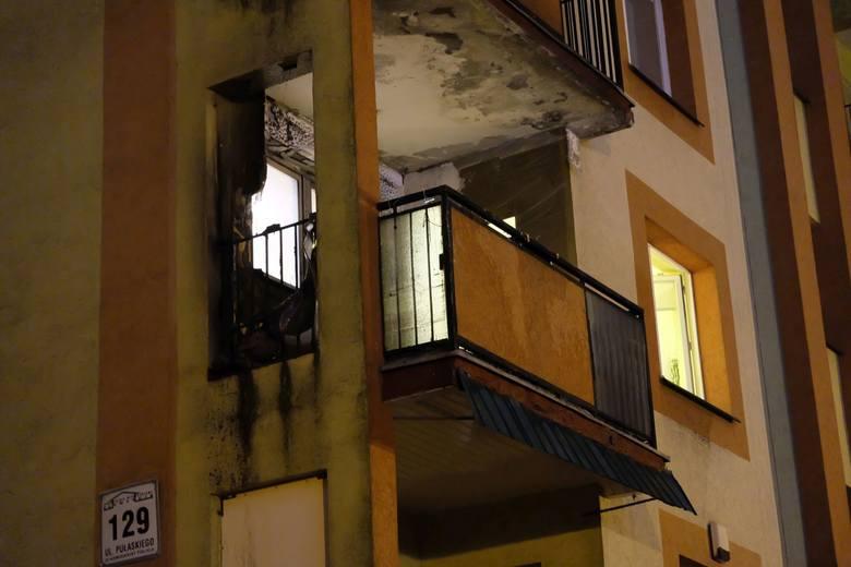 - W bloku przy ul. Pułaskiego 129 palił się balkon na pierwszym piętrze - mówi dyżurny Wojewódzkiej Komendy PSP w Białymstoku.Zobacz też:Pożar na Nowym