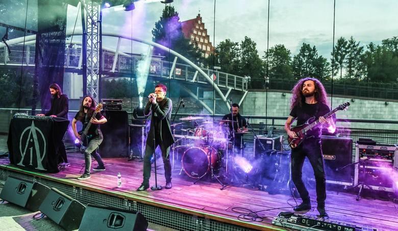 W piątek odbył się kolejny koncert z cyklu Rzeka Muzyki. To letnia propozycja dla wszystkich turystów oraz mieszkańców Bydgoszczy. Piątkowy koncert zatytułowano