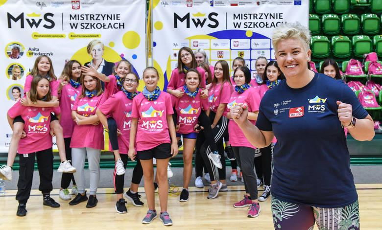 Otylia Jędrzejczak, Anita Włodarczyk, Magdalena Fularczyk, Iga Baumgart-Witan i Anna Brożek spotkały się w Inowrocławiu z uczestniczkami wyjątkowej lekcji