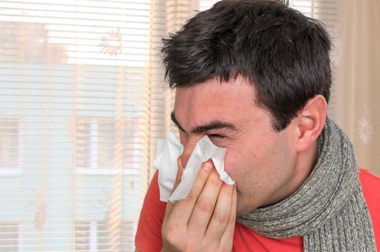 Nieżyt nosa nazywany powszechnie katarem, czyli kichanie i powstawanie wodnistej wydzieliny z nosa, a także jego zatykanie się, wysychanie i pieczenie,