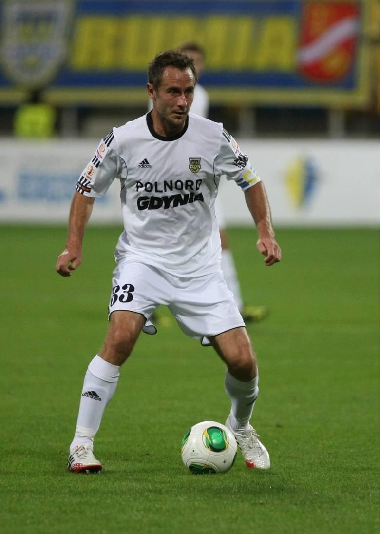 Tomasz Jarzębowski to ważny piłkarz w zespole Arki Gdynia