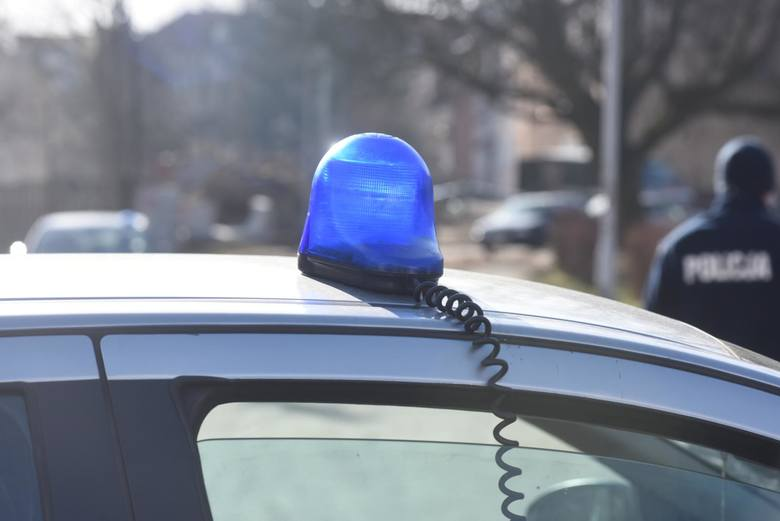 Policjant spowodował kolizję i uciekł z miejsca zdarzenia. Wyciągnięto konsekwencje