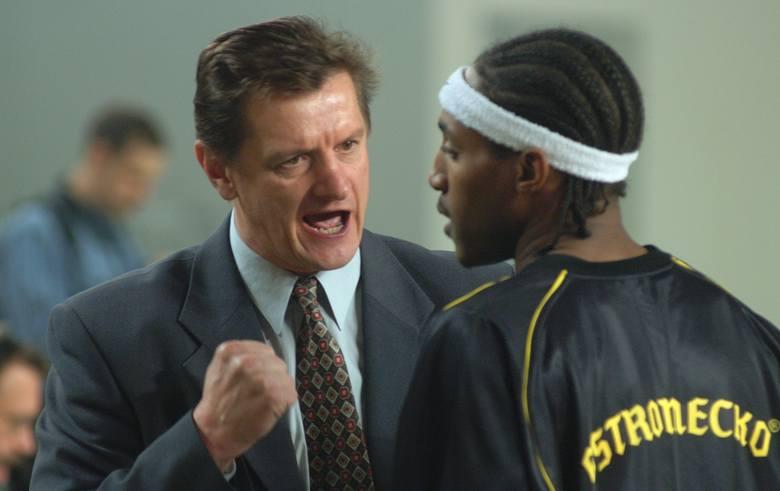 W 2003 roku koszykarze Astorii Bydgoszcz po długiej przerwie rozpoczęli swój sezon gry w ekstraklasie. W Łuczniczce pojawił się niemal komplet widzów,