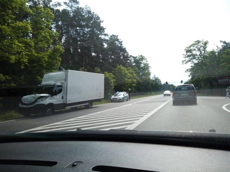 W sobotę w godzinach porannych na drodze krajowej nr 10 na trasie Bydgoszcz - Toruń doszło do wypadku. Flash INFO odcinek 18 - najważniejsze informacje