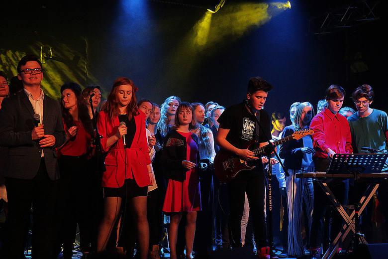 Tłumy łodzian na koncercie charytatywnym zorganizowanym przez uczniów Ogólnokształcącej Szkoły Muzycznej [ZDJĘCIA]