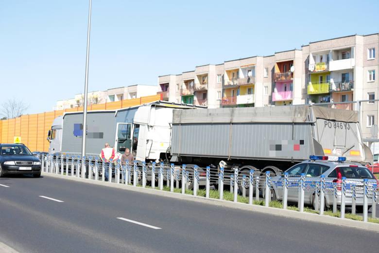Na Trasie Północnej w Zielonej Górze doszło do zderzenia dwóch ciężarówek.