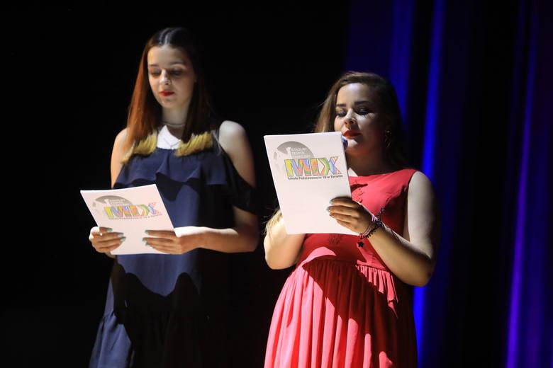 Taneczny Zespół Mix, działający przy Szkole Podstawowej nr 6 w Toruniu, świętuje 20-lecie istnienia. Jubileuszowy koncert zorganizowano w piątek w Auli