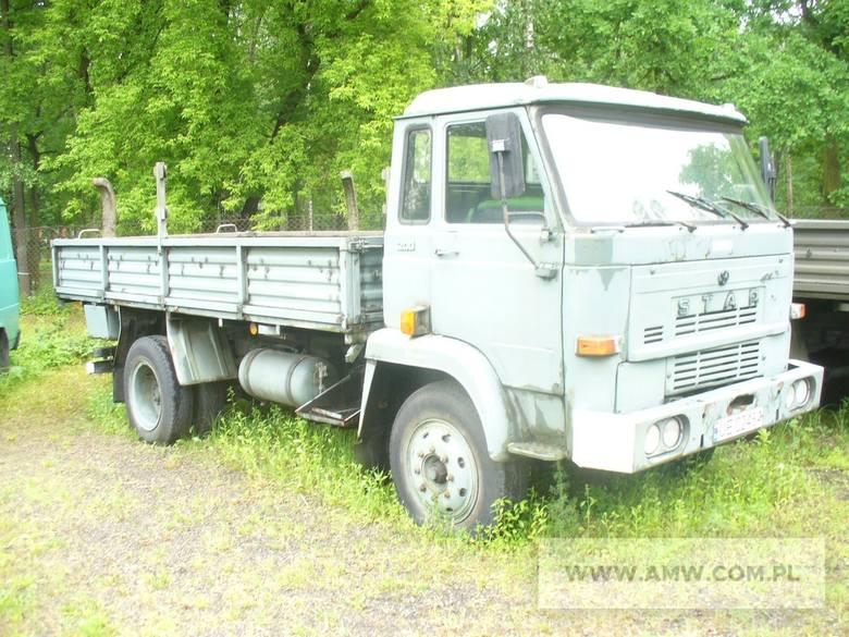 Samochód ogólnego przeznaczenia średniej ładowności STAR-200Rok produkcji:1987Cena:4500 zł