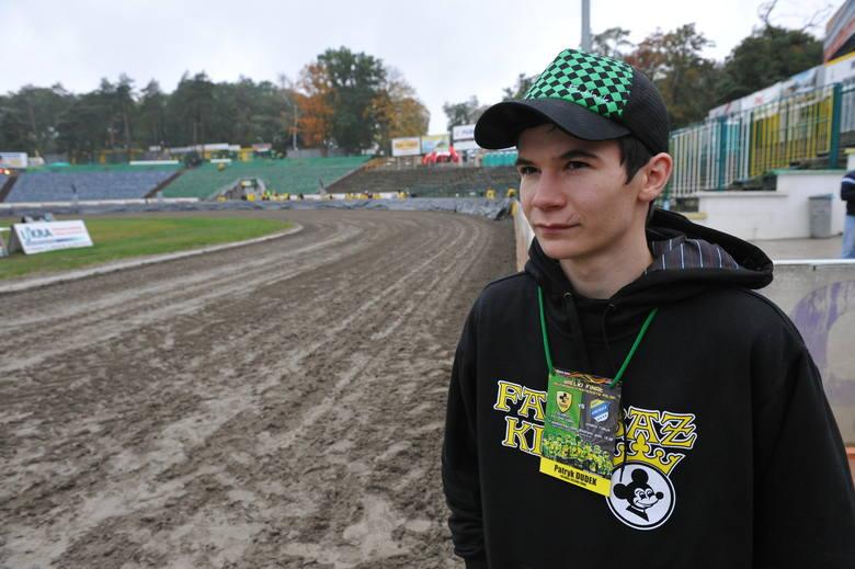 Patryk Dudek, żużlowiec Falubazu Zielona Góra, oczekuje na pierwszy finałowy mecz ekstraligi sezonu 2009.