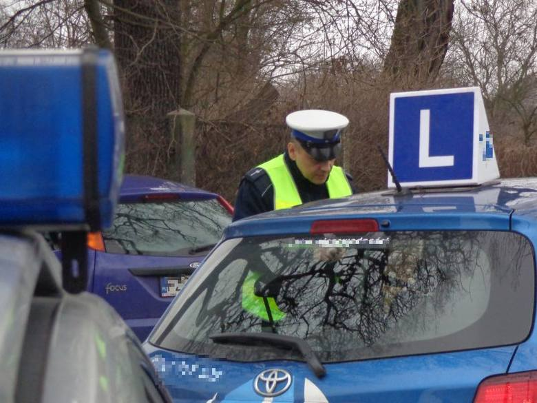 Kontrola pojazdów nauki jazdy w Żaganiu