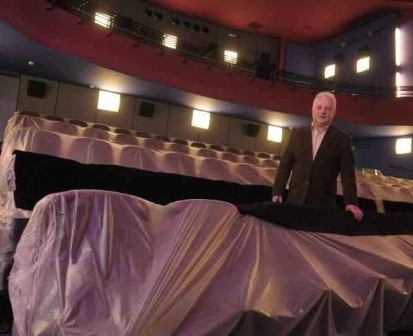 - Oglądanie filmów będzie teraz jeszcze przyjemniejsze - zapewnia dyrektor Andrzej Wróbel.