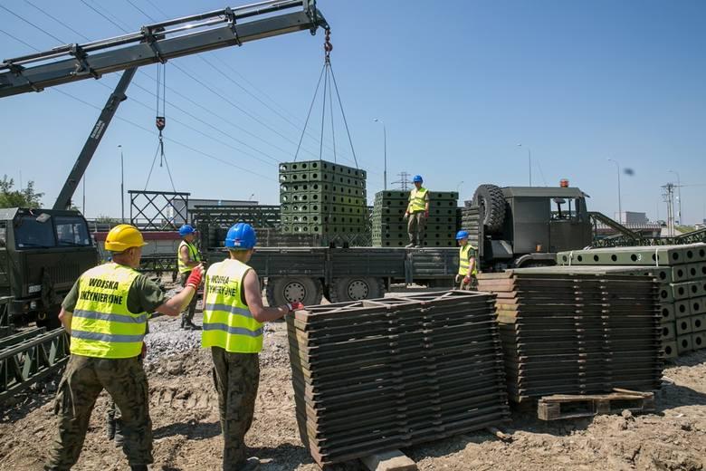 Wojsko już buduje mosty na ŚDM [ZDJĘCIA, WIDEO]