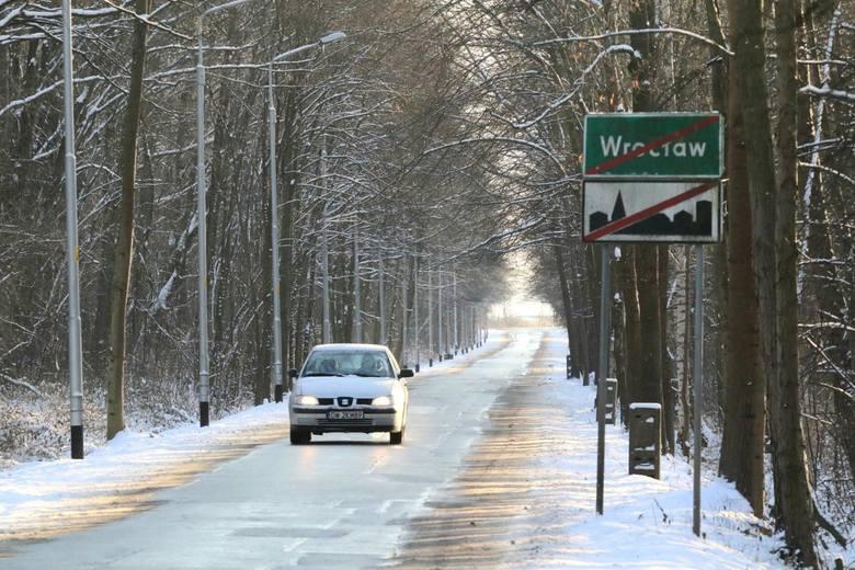 Powraca prawdziwie zimowa aura z temperaturami poniżej zera i opadami śniegu. I mowa nie tylko o terenach górskich Dolnego Śląska, ale także o Wrocławiu.
