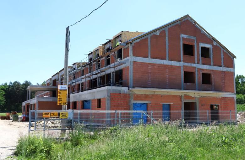 W Sołtykowie, tuż pod Radomiem, na terenie gminy Skaryszew, na 1,5-hektarowej działce trwa budowa hospicjum stacjonarnego. Teren o wartości ponad 140