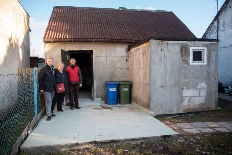Na wylanym przed domem tarasie Chudzińscy rozważali budowę pokoju dla dzieci<br />