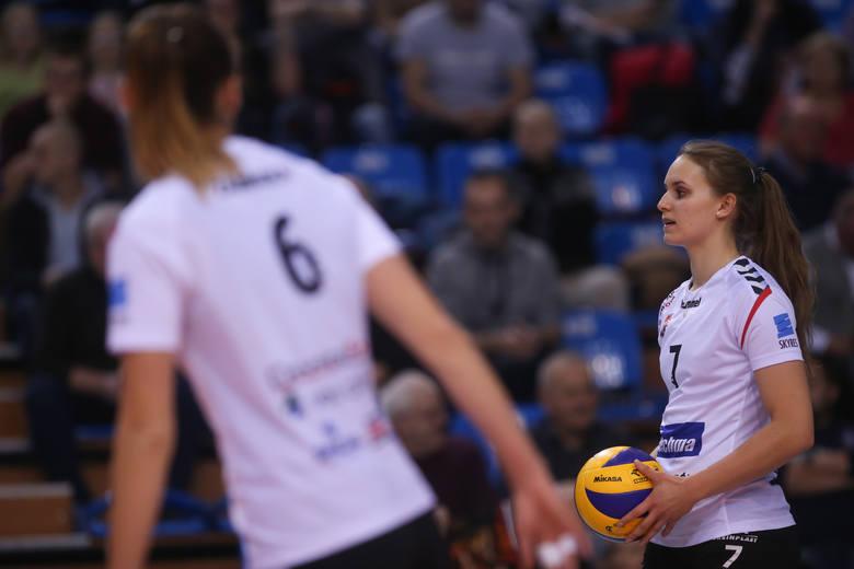 Developres SkyRes Rzeszów odniósł ósme zwycięstwo w Lidze Siatkówki Kobiet. Drużyna Lorenzo Micelliego, choć z kłopotami, pokonała Bydowlanych Toruń