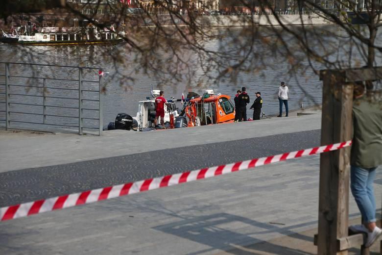 Zwłoki Dariusza Górala wyłowiono w niedzielę z Odry w centrum Wrocławia