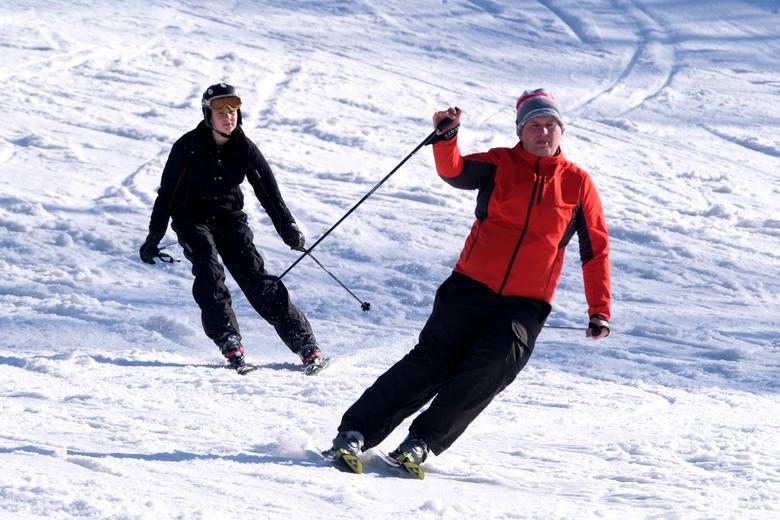 Za oknem wiosna, ale na stoku w Przemyślu narciarzy i snowboardzistów nie brakuje. Panują tutaj dobre warunki do szusowania.Zobacz także: Do pracy na...