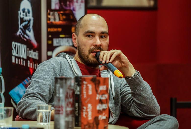 Pisarz Jakub Żulczyk oskarżony o znieważenie prezydenta. Do sądu trafił akt oskarżenia