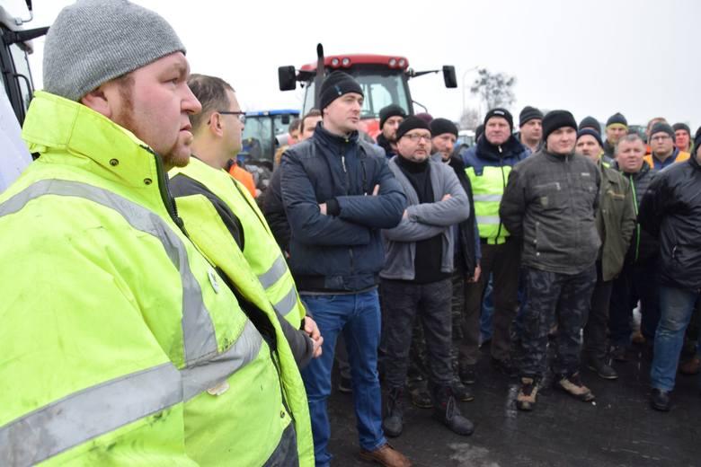 Protestujący rolnicy z Olesna i okolic.