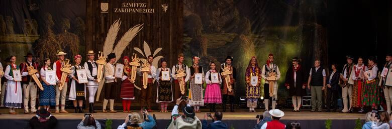 Ze Złotymi Ciupagami z Zakopanego wyjechali górale z Istebnej, Rumunii i Serbii. Najpiękniejsza Góralka i Najśwarniejszy Góral nagrodzeni!