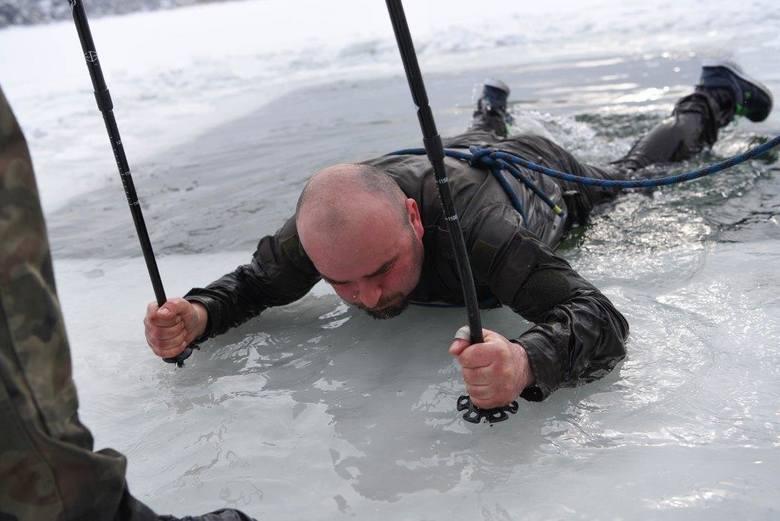 Podczas kursu żołnierze ćwiczyli umiejętności taktyczne, techniki poruszania się na nartach różnymi sposobami, a także pierwszą pomoc. W programie szkolenia