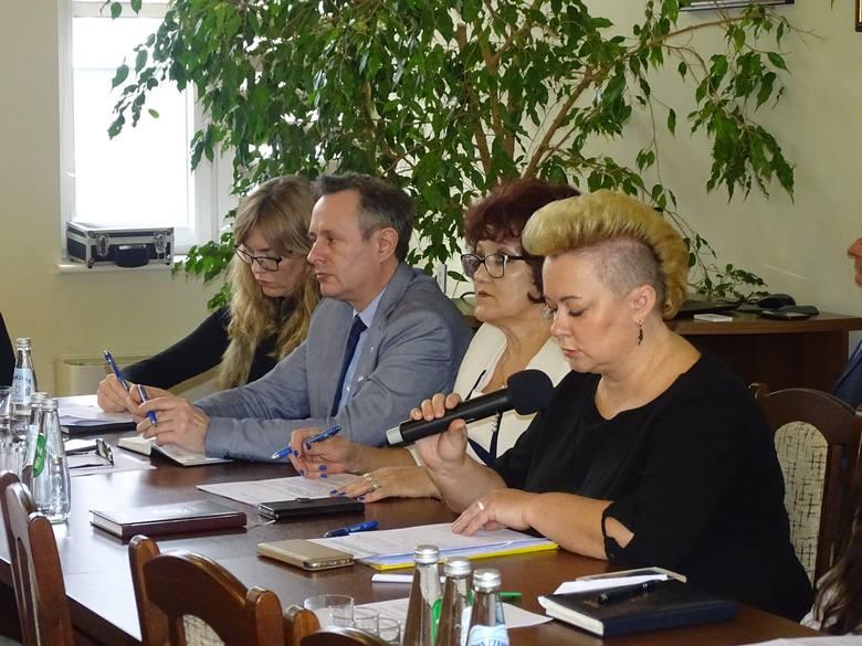W środę, 26 lutego, podczas posiedzenia Rady Miejskiej podjęta została uchwała o ulgach na wywóz odpadów.