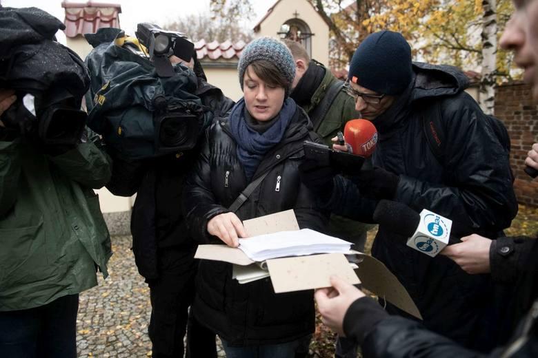 W siedzibie Towarzystwa Chrystusowego na Ostrowie Tumskim w Poznaniu złożono petycje o wycofanie skargi kasacyjnej w sprawie odszkodowania dla ofiary