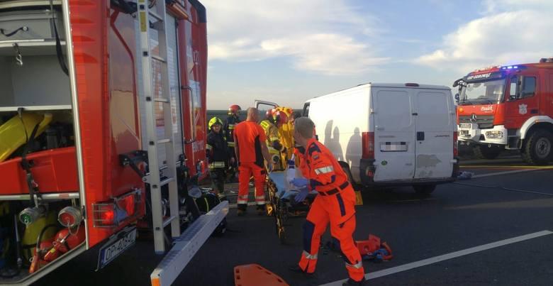 Do wypadku doszło w poniedziałek przed godz. 9 na 256 km autostrady A4, na wysokości Gogolina.