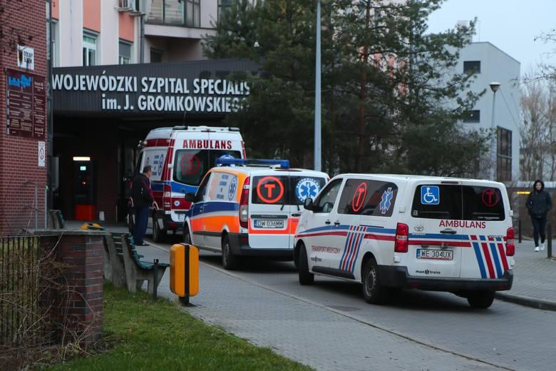 Wrocław: Szpital wypisuje pacjentów z koronawirusem do domu, choć ci jeszcze nie wyzdrowieli