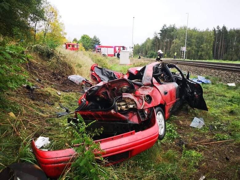 Do wypadku doszło na przejeździe kolejowym