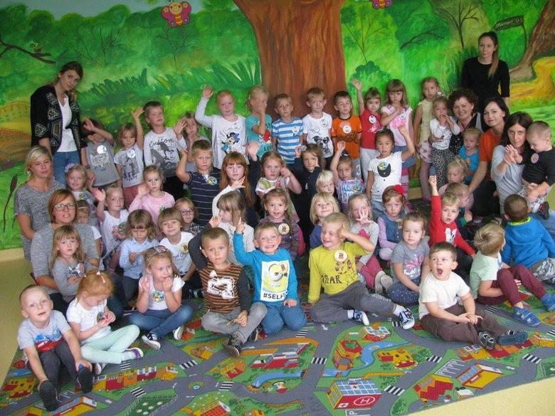 Dzieci z Przedszkola Chatka Puchatka świętowały Dzień Przedszkolaka. - Tego dnia wszystkie grupy zebrały się razem, aby podziwiać występy swoich kolegów.