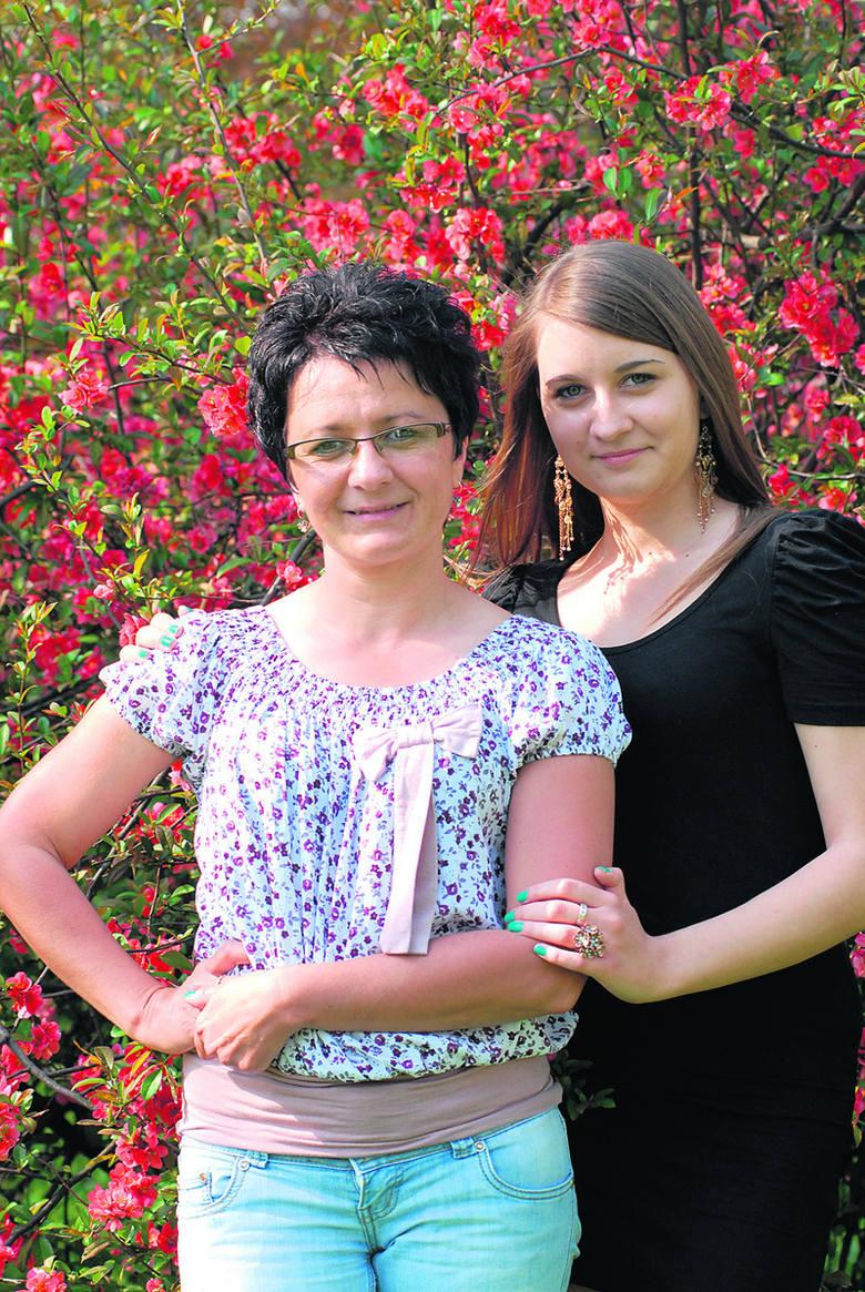 Małgorzata i Paulina Jajszczyk (łodzianki). Mama jest ekspedientką w cukierni, córka uczy się w XLI LO.