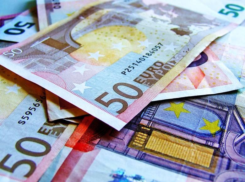 Płaca minimalna w różnych krajach. Porównaj zarobki w Unii Europejskiej
