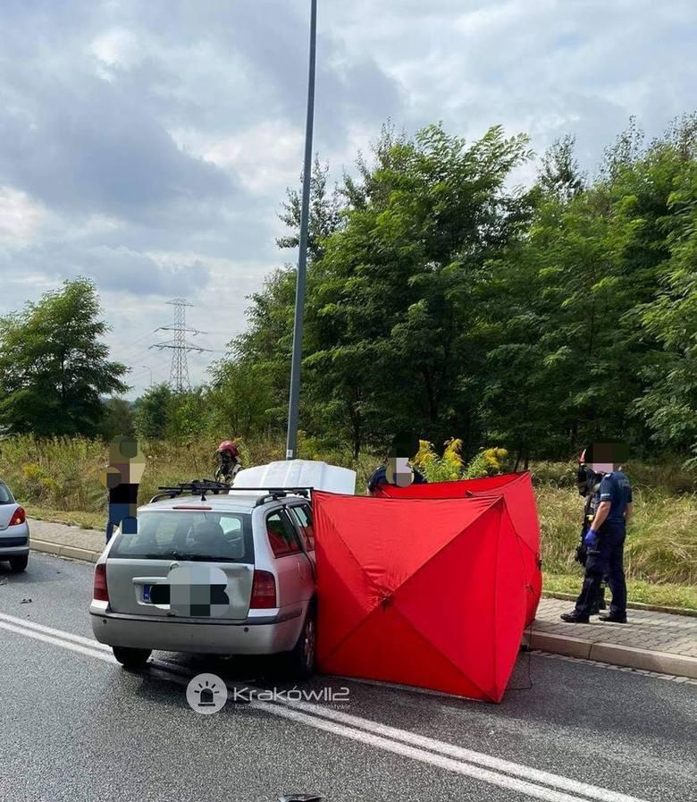 Wypadek w Krakowie na Kokotowskiej. Motocyklista zginął na miejscu.
