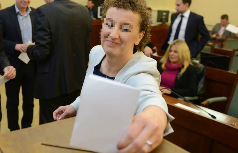Poznańska radna Joanna F. jest oskarżona o składanie fałszywych oświadczeń majątkowych