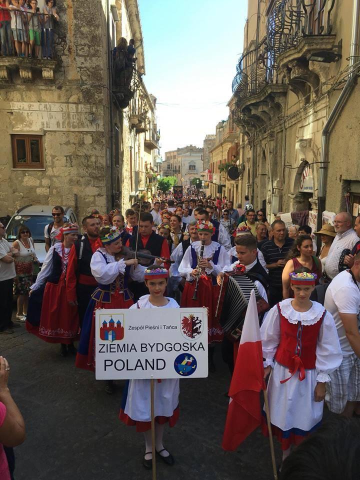 Ziema Bydgoska tańczy na Sycylii