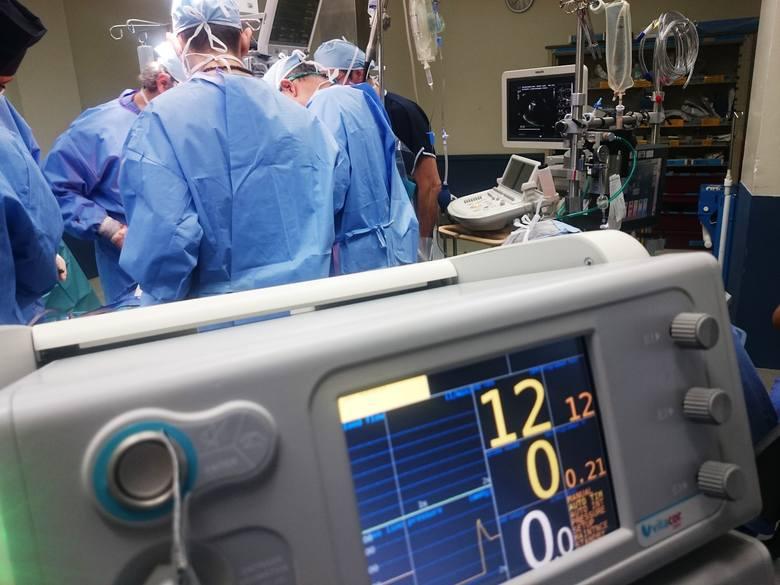 """Wielu pacjentów z zawałem to osoby, u których jest on pierwszym objawem choroby serca! Czyli do """"wczoraj"""" byli aktywni, zatem są bardzo"""
