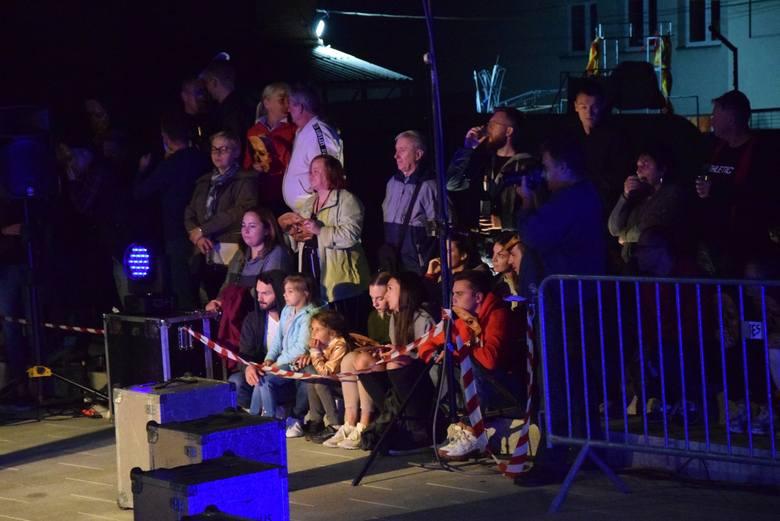 Poprzednie edycje elektryzowały widzów, którzy przybyli na parking przy Palmiarni czy Centrum Przyrodniczego przy ul. Dąbrowskiego.  W tym roku Festiwal Teatrów Plenerowych - Monte Verde odbywa się tuż obok siedziby Lubuskiego Teatru, bo na nowym pl. Teatralnym. <br /> <br /> Pd 13 do 15...