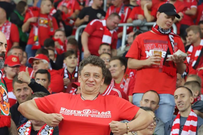 Kibice na meczu Widzew Górnik Łęczna. Na trybunach ekstraklasa, drużyna wciąż gra bardzo słabo. ZDJĘCIA