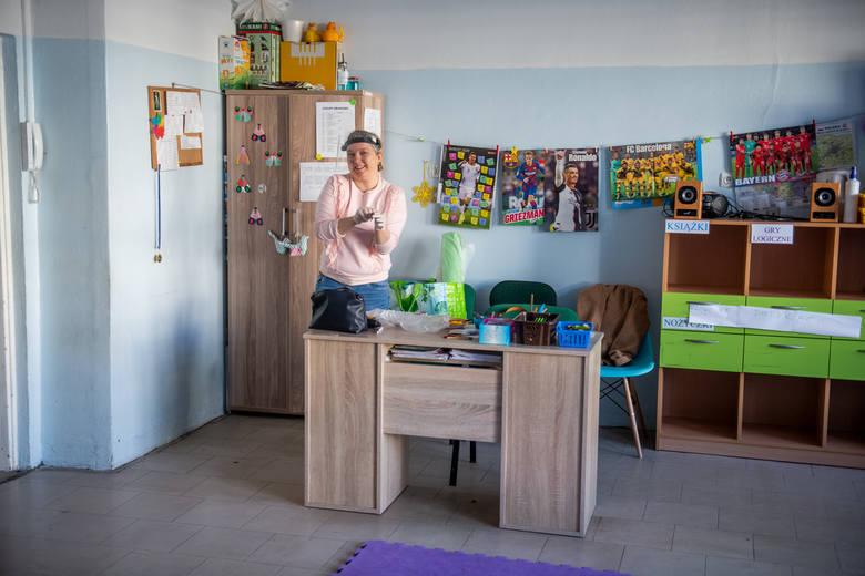 Szkoły dla uczniów klas 1-3 w Poznaniu otwarte są od 1 czerwca. Dzieci biorą jednak udział wyłącznie w zajęciach opiekuńczo-wychowawczych. Niewielu rodziców