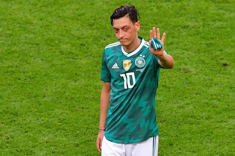 Powodem, dla którego Mesut Ozil zakończył reprezentacyjną karierę, miał być rzekomy rasizm w kadrze.