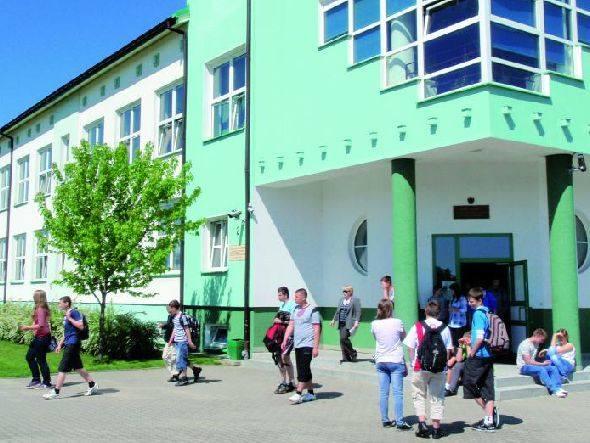 Uczniowie gimnazjum będą mogli kontynuować naukę w liceum w nowoczesnym i świetnie wyposażonym budynku szkoły