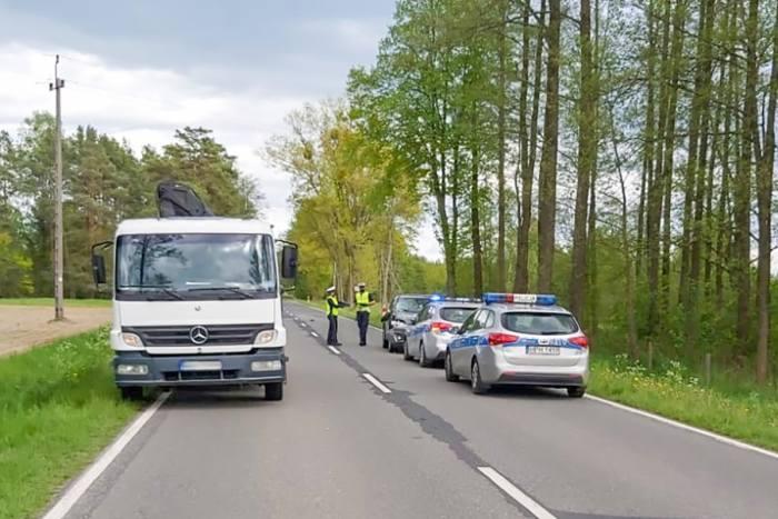 Myszyniec. Śmiertelny wypadek drogowy, 20.05.2020. Do tragedii doszło na drodze wojewódzkiej 645. Zdjęcia