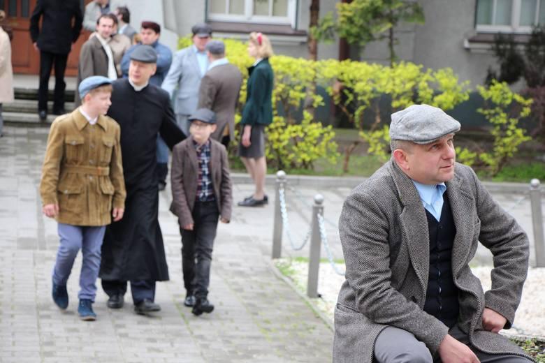 """Plan zdjęciowy filmu dokumentalnego """"Wydarzenia Zielonogórskie 1960"""", który powstaje na zlecenie """"Gazety Lubuskiej""""."""