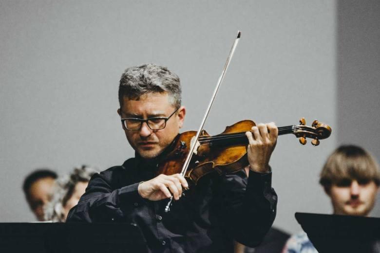 """Bartłomiej Nizioł  w TechnoparkuCon bravura"""" to skrzypcowo-fortepianowy recital w wykonaniu Bartłomieja Nizioła i utalentowanego pianisty Michała Francuza."""