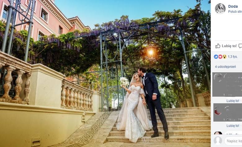 """Piosenkarka Dorota """"Doda"""" Rabczewska wyszła za mąż! Ślubu kościelnego w Hiszpanii udzielił jej ojciec Tytus, Dominikanin z Sandomierza!"""