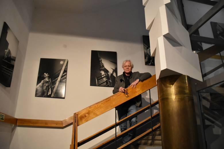 """Wystawa """"Kajetan Sosnowski (1913-1987)"""" to kolejna ekspozycja w Muzeum Ziemi Lubuskiej w Zielonej Górze z cyklu """"W kręgu twórców Złotego Grona"""". Tym"""